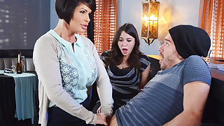 Torrid mom make a cleverness in the air her wet pussy