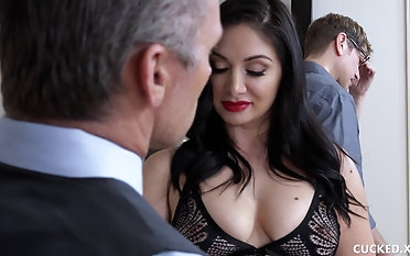 Twosome dicks for a black-haired stunner in stockings Lea Lexis