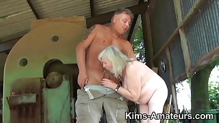 72 savoir faire superannuated granny gives a blowjob and gets fucked