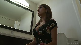 Lesbian blondie is eager be advantageous to palatable pussy of shove around roommate Eva Long