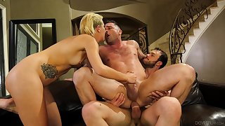 Sophia Grace shares a cumshot with a guy everywhere a bisexual foursome