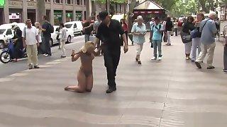 Honcho Spanish public walked in underwear