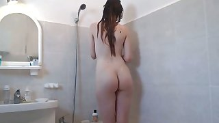 18yo stepsister showers and masturbates