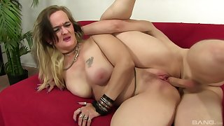 Nothing can stop Lillith Lust to reach an perfect ograsam involving a dude