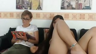 Mom and Daughter Counterfeit Off - Watch Part2 out of reach of CAM26,COM