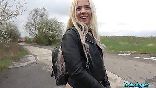 Open-air wild fuck down a stranger is circa that horny Anna Rey wants