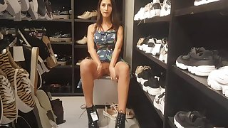 Footjob far the store H&M with naked pussy
