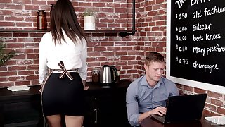 Cute young waitress Eliza Ibarra seduces pulling newcomer disabuse of