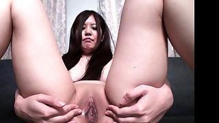 Hot asian girl fingering solo