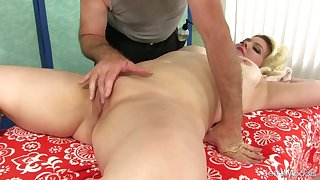 Big Miranda Kelly Gets a Lewd Massage