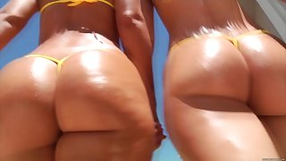 Jada Stevens And Her Friend Humped By Heavy BLACK Dig up
