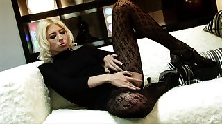 Fucking in the evening with provocative Carly Parker in stockings