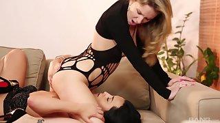 Lesbian stars Punter Piaff and Ana Rose having some naughty game