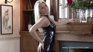 Kinky together with sexy latex blonde piece of baggage loves exposing say no to nice plunder