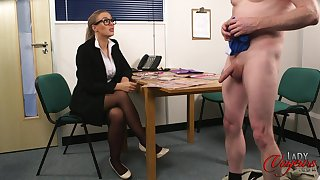 Amateur man takes off his pants to tease cock itchy Beth Bennett