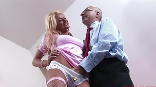 Attracting blonde unshaded Tia enjoys getting fucked at the end of one's tether an senior cadger