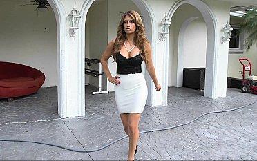 Fashionable milf Mia Ryder fucking her domestics