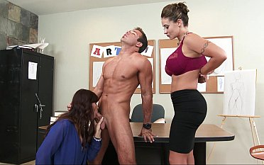 Score sex in slay rub elbows with artistry pot-pourri